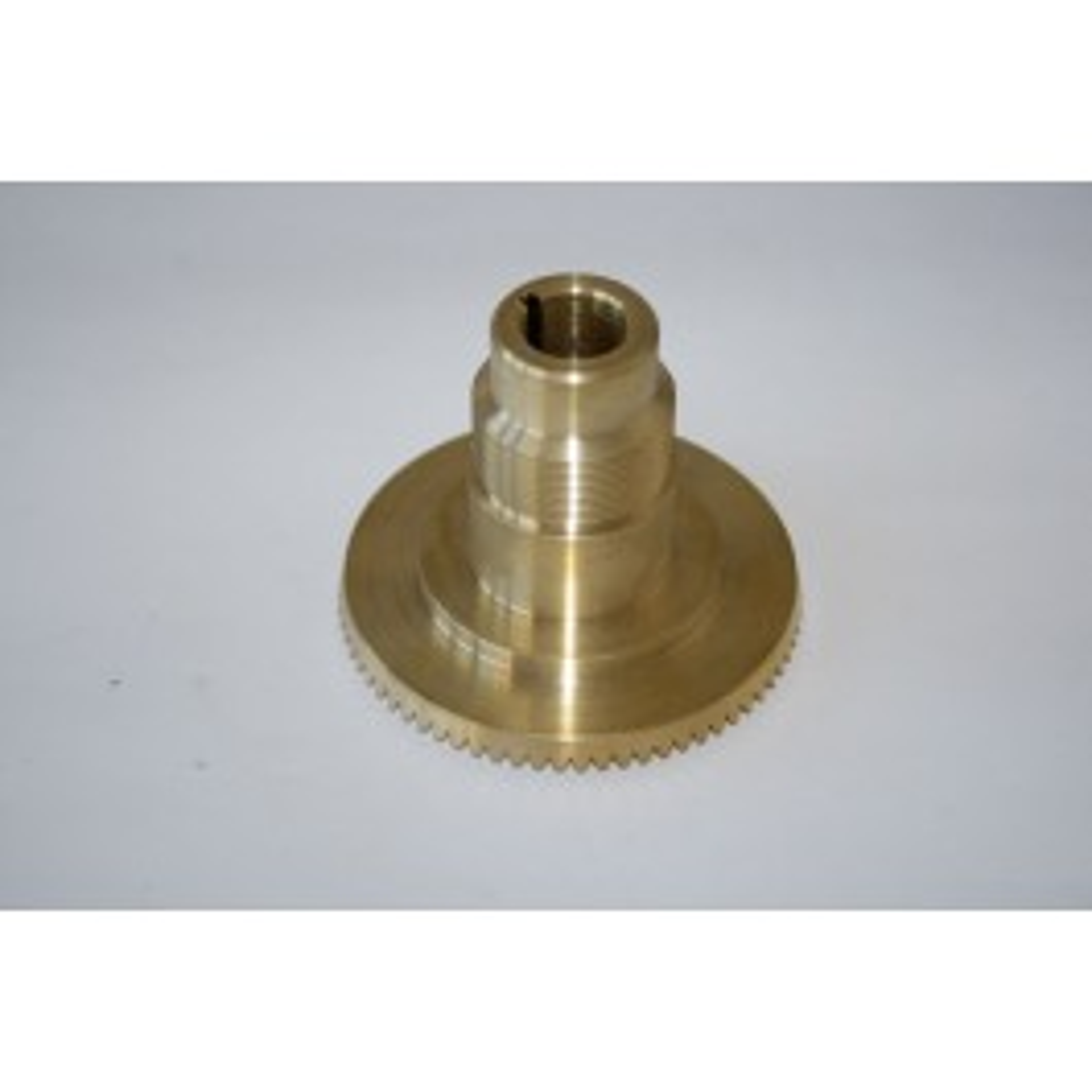 Brass gear for longitudinal feed